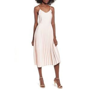 LOVE, FIRE PLEATED MIDI DRESS 💖IN STORES💖